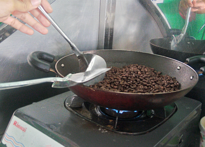 cách rang cà phê ngon bằng chảo